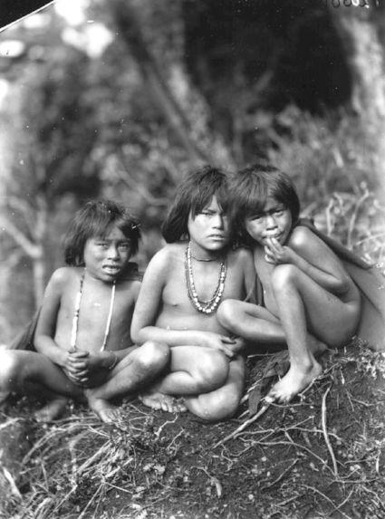 Groupe d'enfants Fuégiens