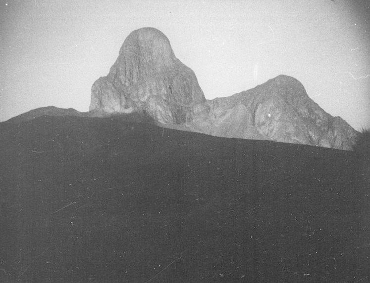 Le pic d'Ilamane dans le massif du Hoggar