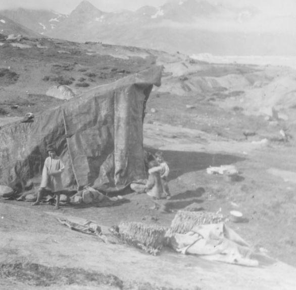 Tente eskimo vue de côté