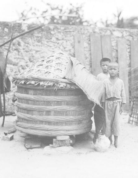 Cuve servant à la fermentation des saumures