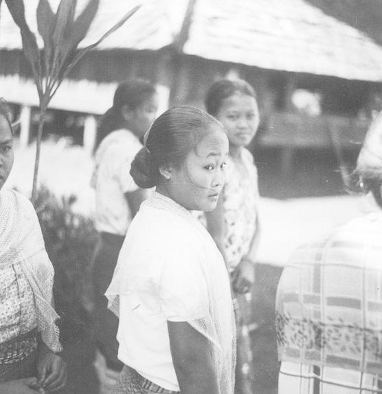 Jeunes filles laotiennes