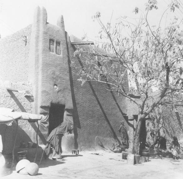 Architecture et motifs décoratifs Haoussa