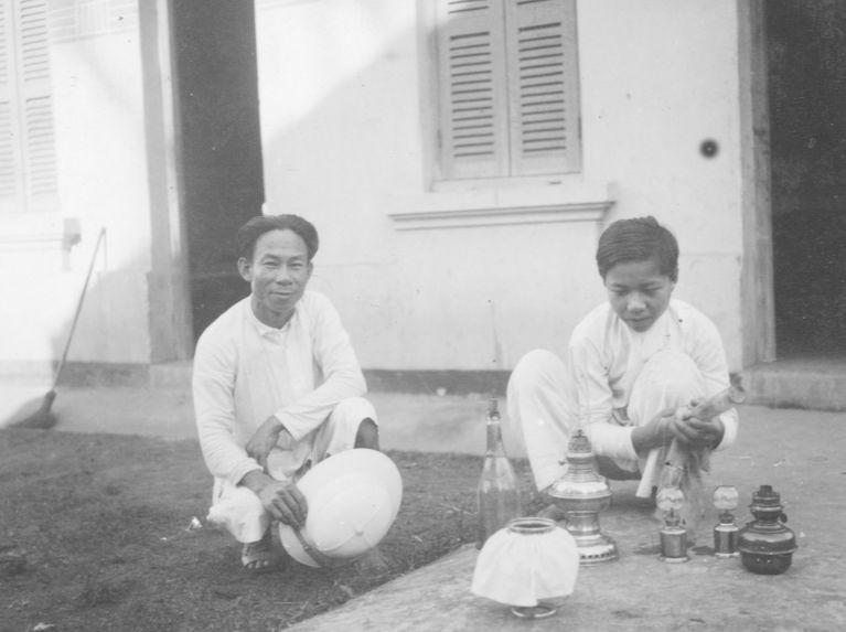 Le cuisinier de la mission Cuisinier-Delmas et son fils