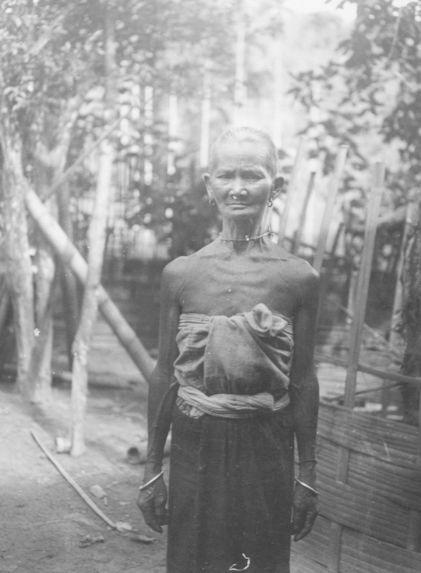 Femme Muong