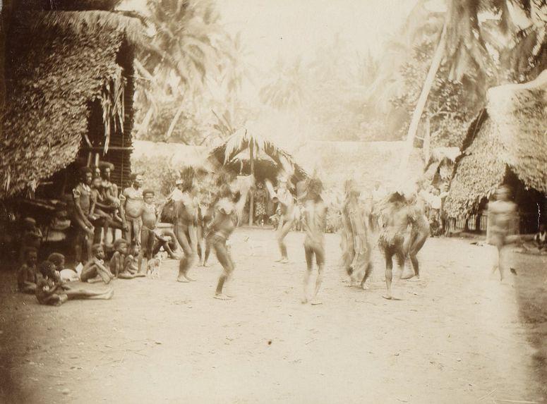 Danses des indigènes de Bogadjim