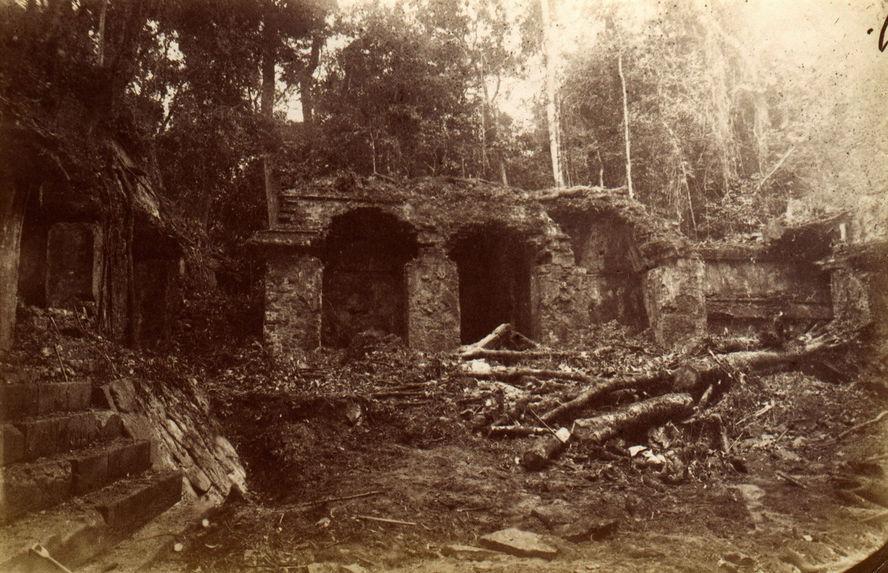 Palenque. Bâtiment au sud de la première cour