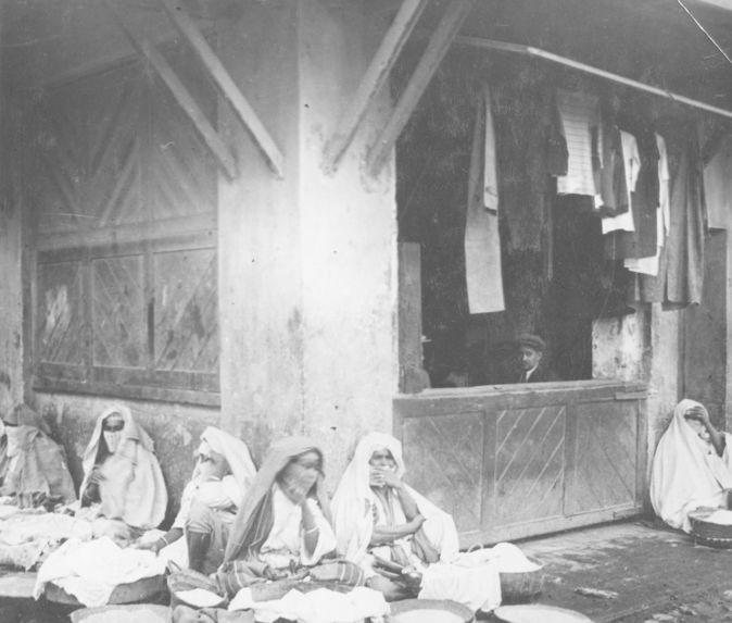Aux abords du mellah (quartier juif)