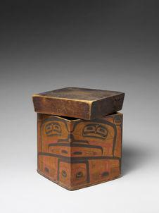 Grande boîte en bois avec couvercle