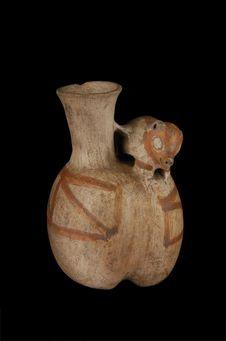 Vase à décor zoomorphe : tatou ?