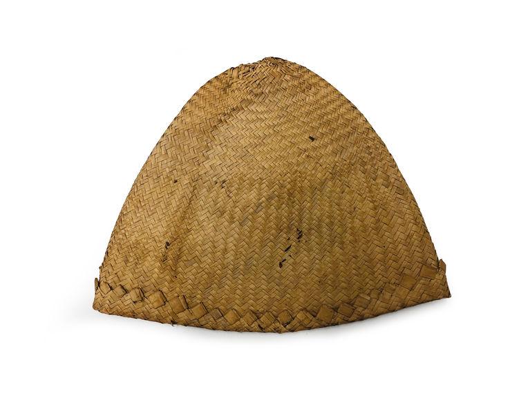 Petit chapeau en vannerie
