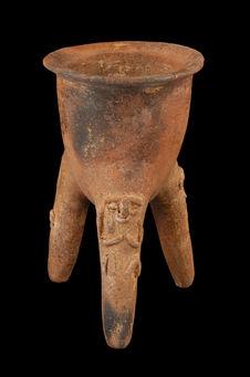 Vase tripode