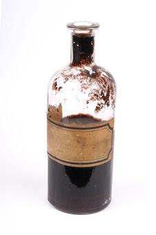 Flacon de teinture marron-noir