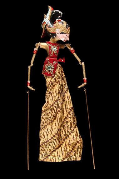 "Marionnette de ""wayang golek"" : Narajana"