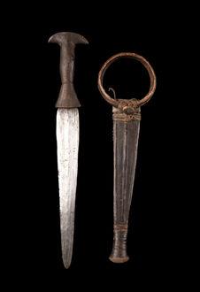 Couteau et fourreau