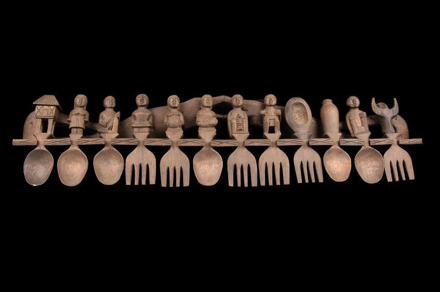 Ratelier à cuillers et fourchettes