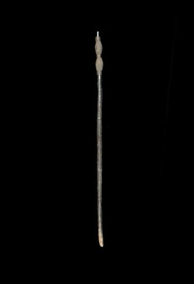 Bâton sculpté
