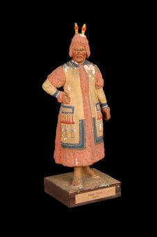Statuette représentant une femme iakoute