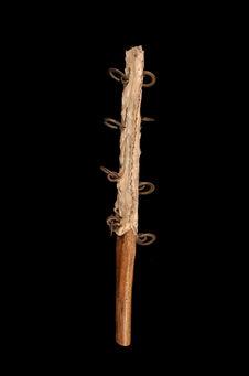 Bâton chamanique avec sonnailles