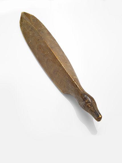 Figuration zoomorphe, lissoir de peaux de saumons