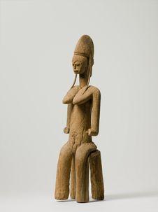 Statue féminine
