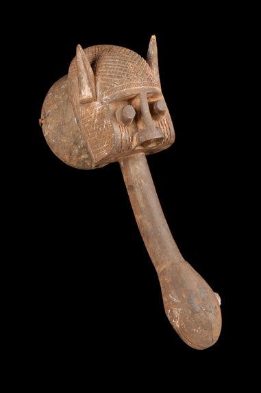 Masque cimier anthropo-zoomorphe