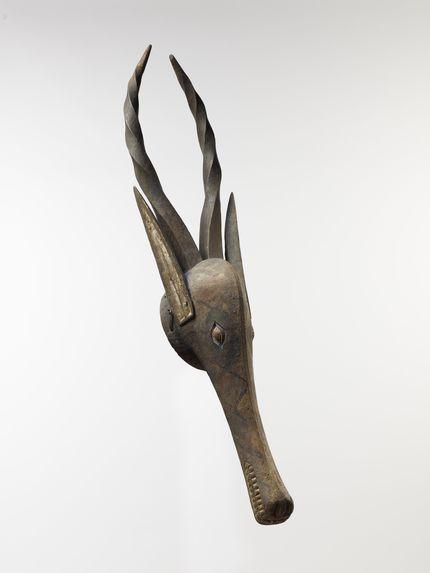 Cimier zoomorphe