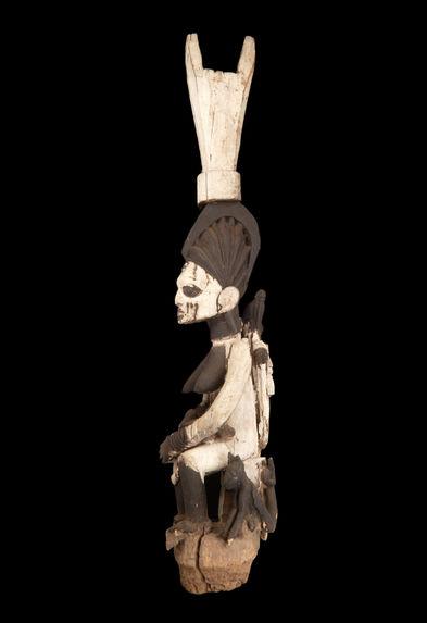 Poteau figuratif