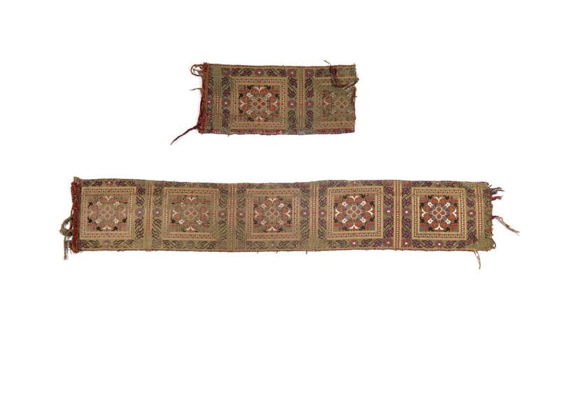 Fragments de ceinture de femme