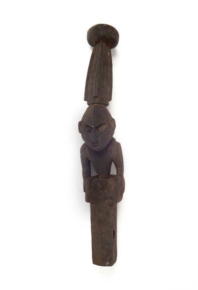 Sculpture de poupe de pirogue