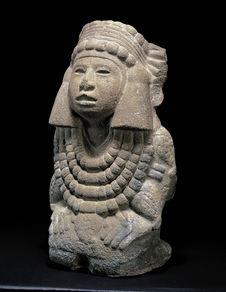 Sculpture anthropomorphe de déesse