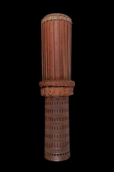 Tambour cylindrique sur socle à une peau
