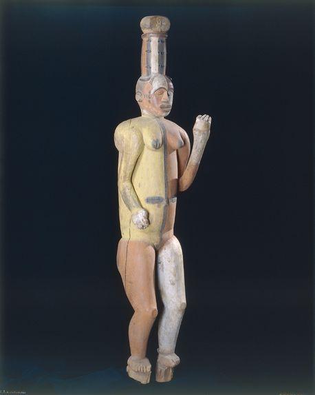 Statue figurant une divinité tutélaire