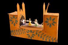 Scène animée : cortège d'enterrement entrant dans une église.