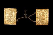 Plaques de métal doré