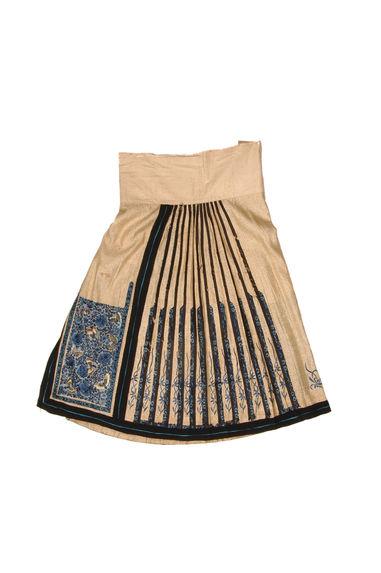 Costume féminin : Jupe