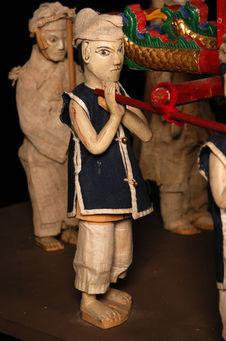 Statuette représentant un porteur de catafalque