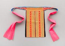 Costume de femme: tablier de dos