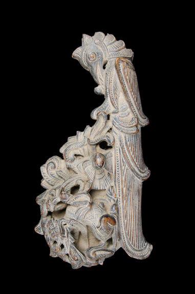 Boîte à balance en bois sculpté d'un perroquet