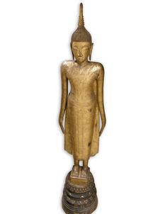 Bouddha contemplant l'arbre de l'Eveil