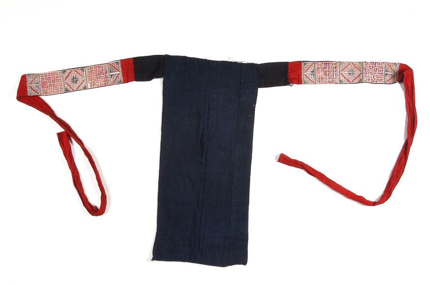 Costume de femme : ceinture-tablier