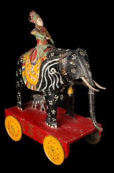 Jouet représentant un génie sur un éléphant