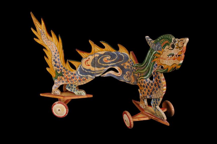 Jouet en forme de dragon