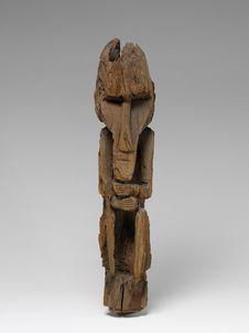 Sculpture de poteau funéraire