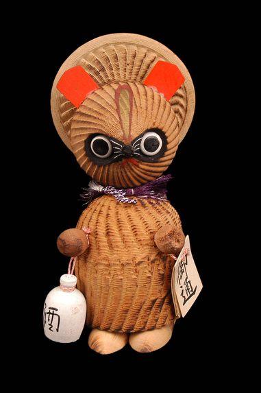 Figurine de tanuki (blaireau)
