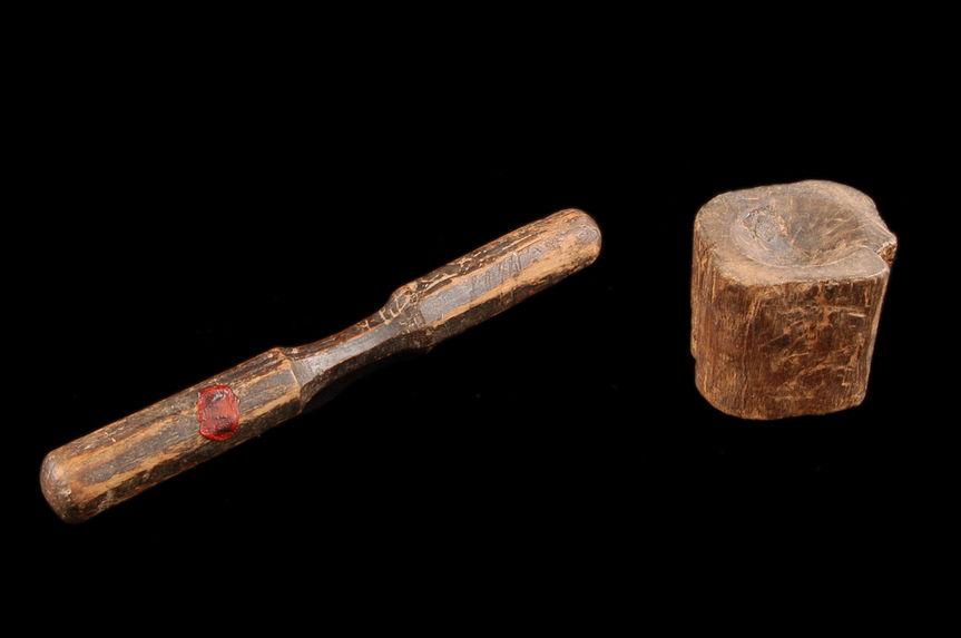 Jouet en bois : mortier et pilon