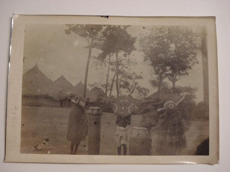Masques fétiches et tam tam de guerre, Baoulé