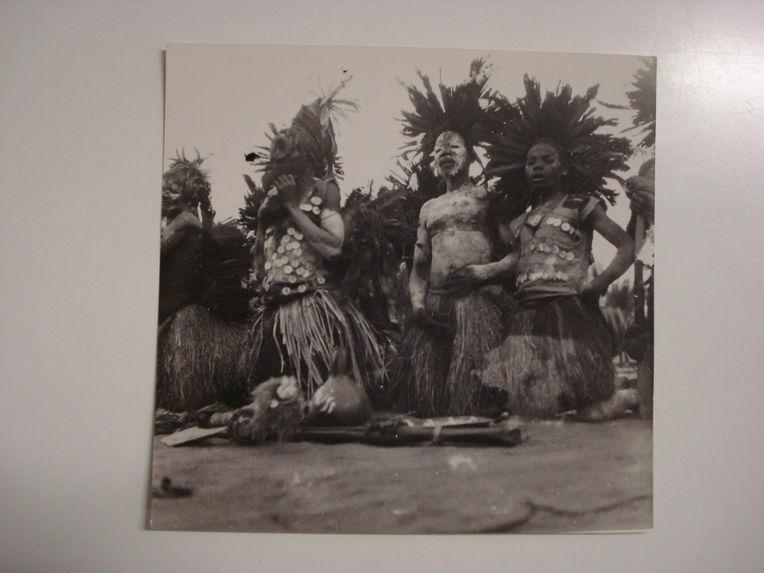 Ewo, les Bibaniki, simulacre de messe