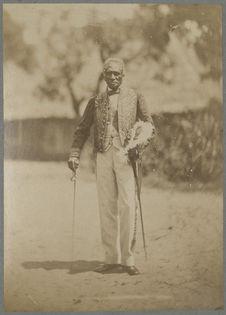 Raharla, ministre de la reine des Hovas, en grand costume.