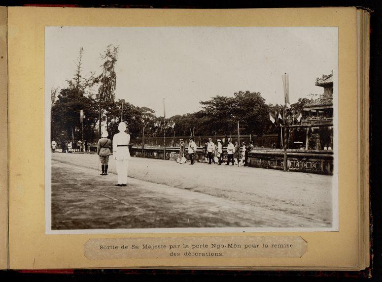 Retour de sa majesté Bao-Dai, Empereur d'Annam