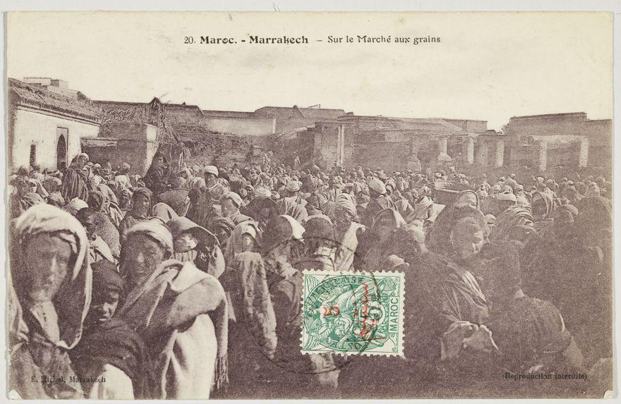 Maroc. - Marrakech - Sur le Marché aux grains